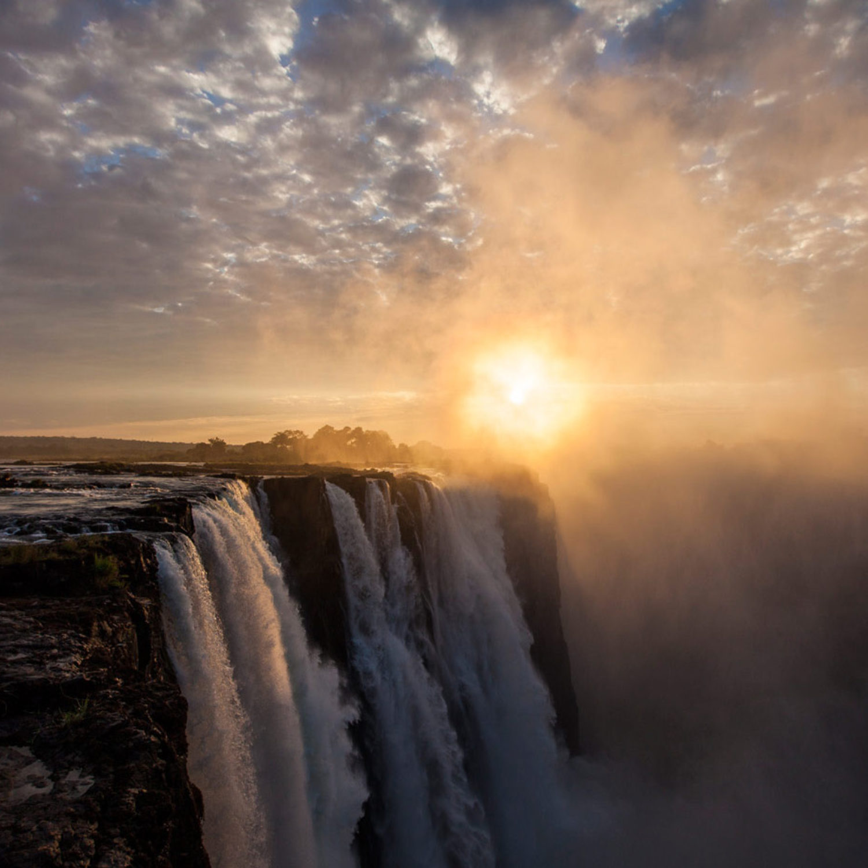 mw-victoria-falls-sunset